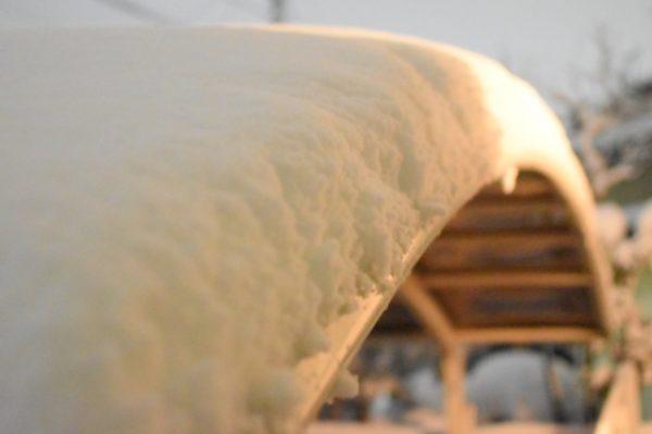 カーポートの雪対策
